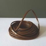 Câble électrique marron