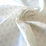 Tissu saki argent blanc